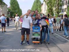 Fußballfans in München - Schwabing