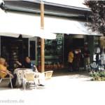 Lignano, Via Udine der Laden in Bildmitte