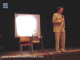 Mag. Werner Johannes Neuner bei seinem Vortrag